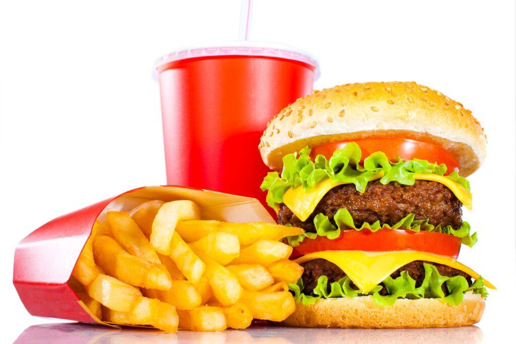 Đồ ăn nhanh phát hiện có hóa chất để sản xuất nhựa PVC