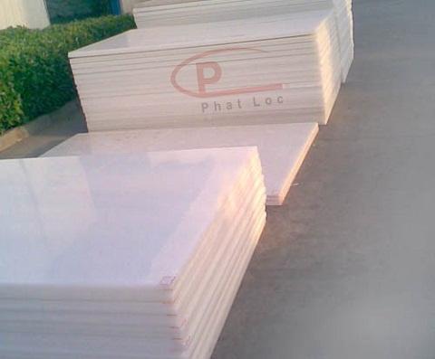Đặc tính sử dụng và chính sách sản xuất tấm nhựa PVC Phát Lộc